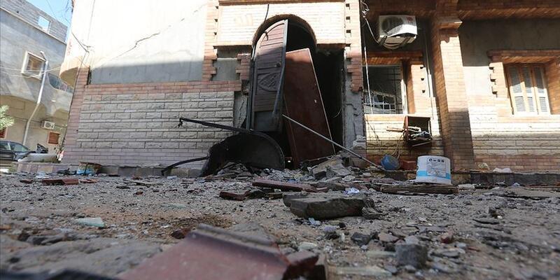 Yabancı savaş uçakları Trablus'ta yerleşim birimlerini vurdu