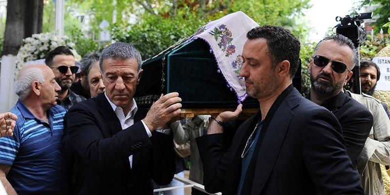 Ahmet Ağaoğlu'nun kayınvalidesi son yolculuğuna uğurlandı
