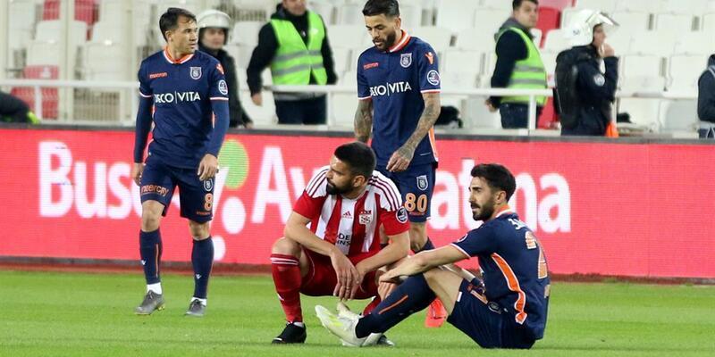 Başakşehir Sivasspor'a da takıldı