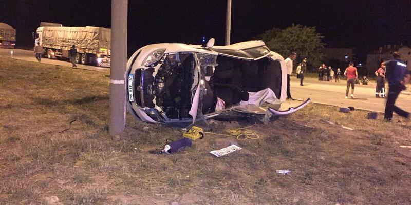 Üniversite öğrencilerinin aracı TIR'la çarpıştı! 2 kişi can verdi