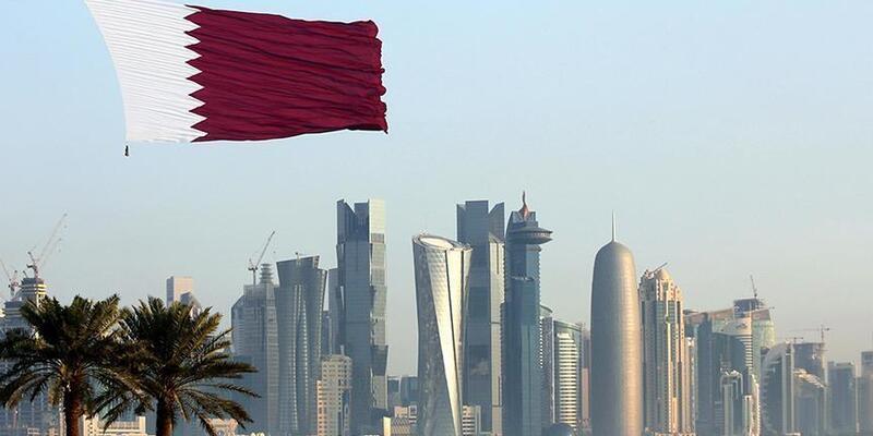 Bahreyn Kralı ABD'li komutan ile Körfez'deki gelişmeleri görüştü