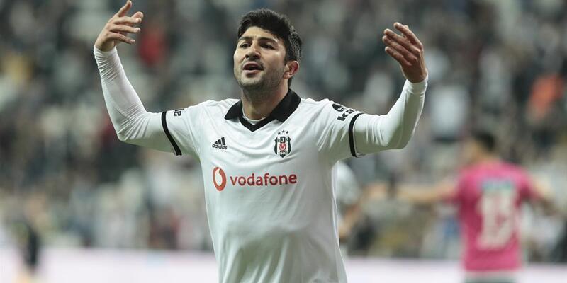 Beşiktaş Dorukhan Toköz ile Güven Yalçın'ı kazandı