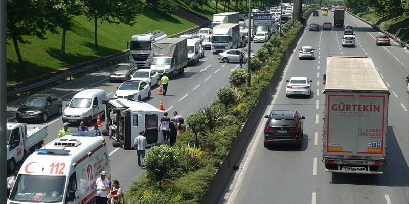 Bağcılar'da trafik kazası: 2 yaralı