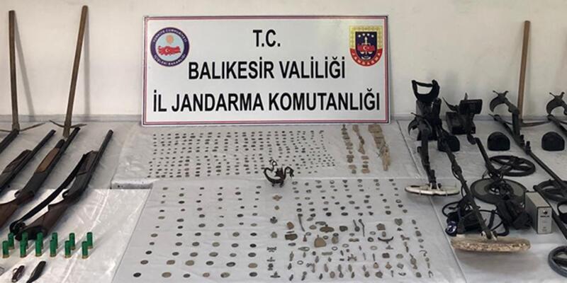 Balıkesir'de eş zamanlı tarihi eser operasyonu