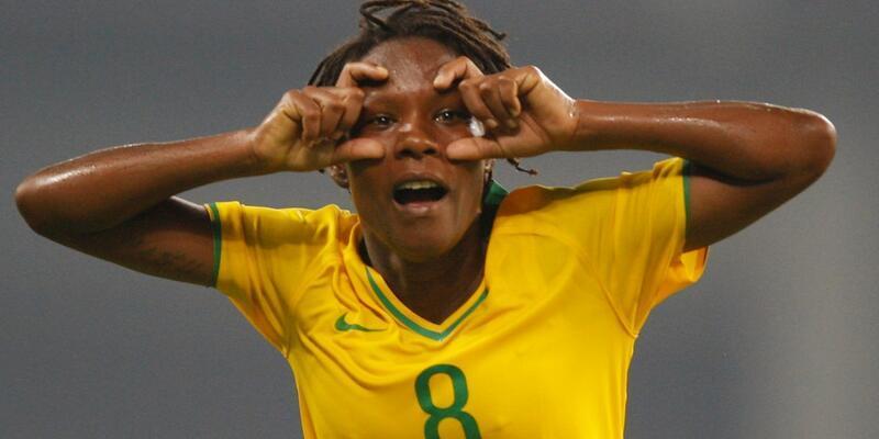 Brezilyalı kadın futbolcu Formiga tarihe geçti