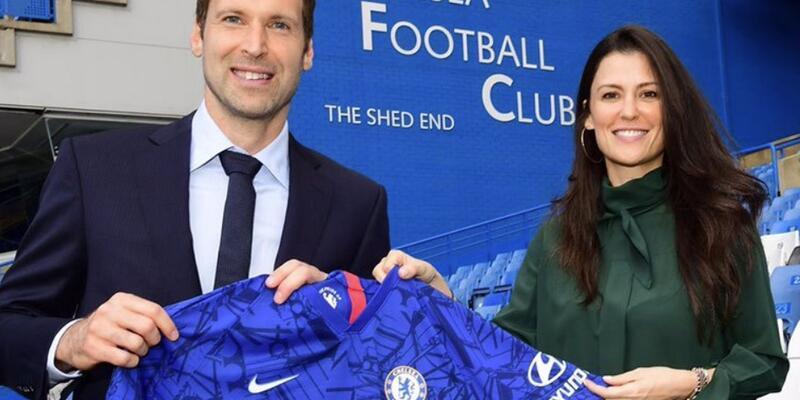 Petr Cech Chelsea'ye geri döndü