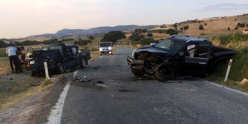 Çanakkale'de trafik kazası: 1 ölü, 7 yaralı
