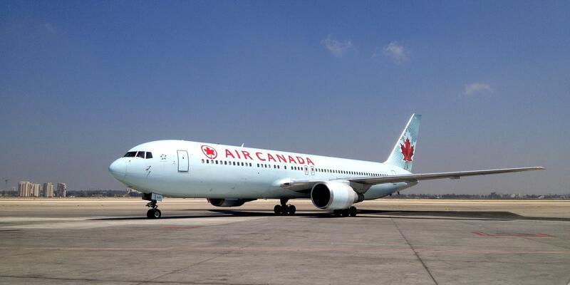 Kanada'da uçuşta uyuyakalan kadın unutuldu, park halindeki karanlık uçakta uyandı