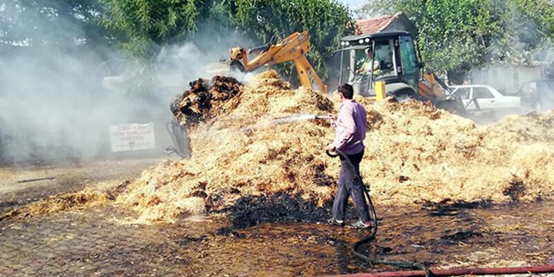 Egzozdan çıkan kıvılcım saman yüklü traktörü yaktı