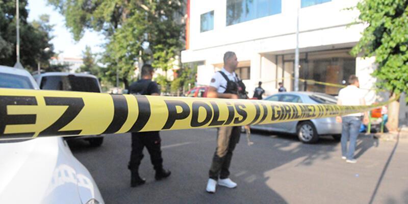 İş merkezinde silahlı kavga: 1 ölü, 1 yaralı