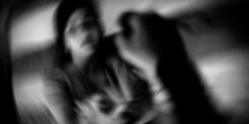 Muavin 12 yaşındaki kızı taciz etti