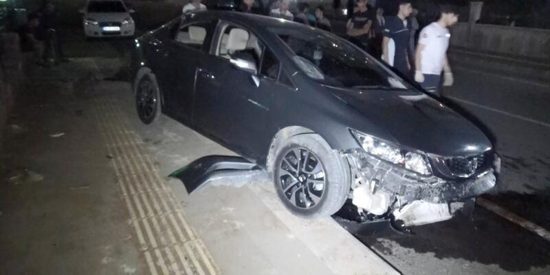 Ehliyetsiz sürücü drift atmaya çalışırken kaza yaptı