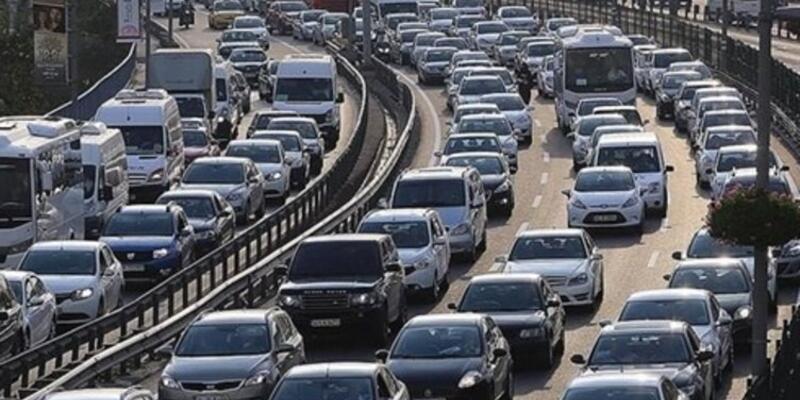 Yola çıkacaklar dikkat! İstanbul trafiğinde son durum...