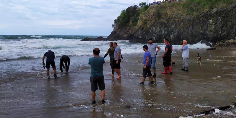Giresun'da denize giren 2 kişiden biri kayboldu