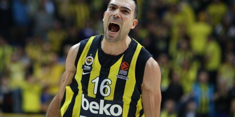 Sloukas üç sezon daha Fenerbahçe Beko'da