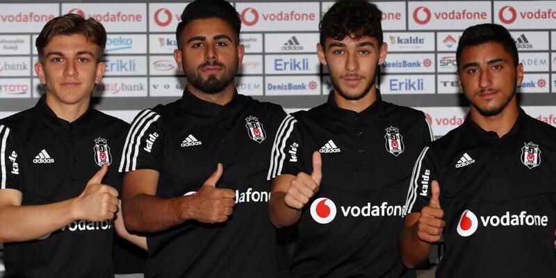 Beşiktaş'ta 4 imza