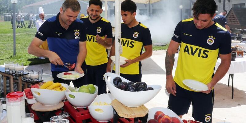 Fenerbahçeli futbolcular mangalda buluştu