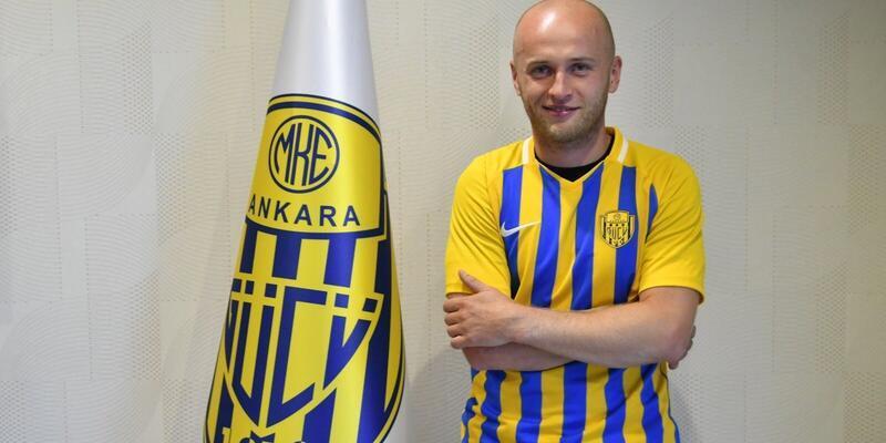 Michal Pazdan'dan 2 yıllık imza