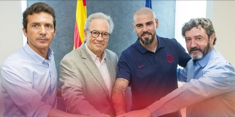 Victor Valdes yeniden Barcelona'da