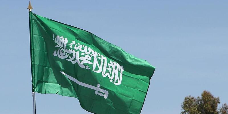 Husiler Suudi Arabistan'ın Cazan Havaalanı'nı vurdu