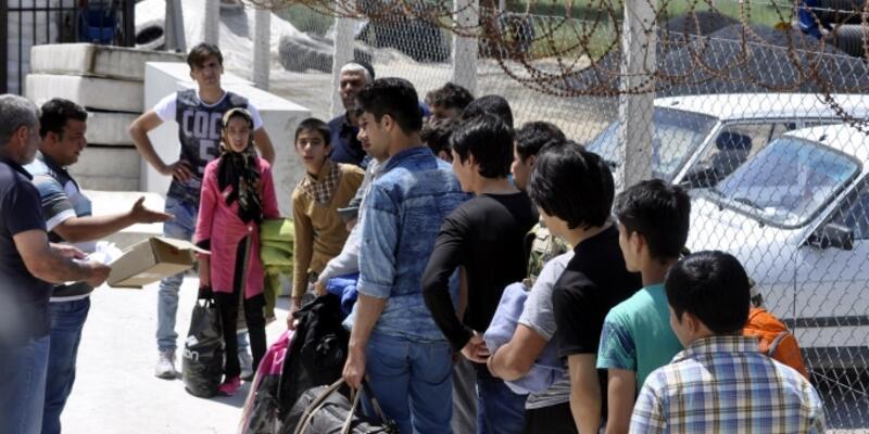 İstanbul'da 12 Temmuz'dan bu yana 1000'i Suriyeli 6 bin 122 kaçak göçmen yakalandı