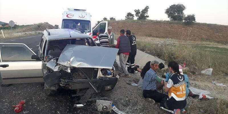 Manisa'da trafik kazası: 12 yaralı