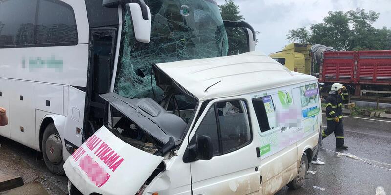 Ordu'da otobüs ile minibüs çarpıştı... Ölü ve yaralılar var