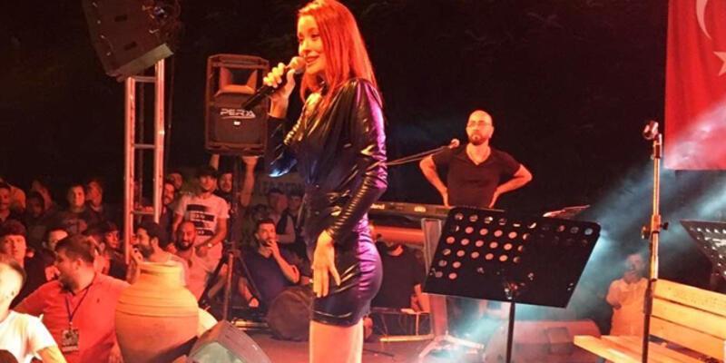 Sanatçı Elif Kaya memleketinde konser verdi