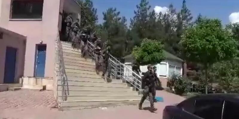 Terör örgütü YPG'ye eleman temin eden şebeke çökertildi
