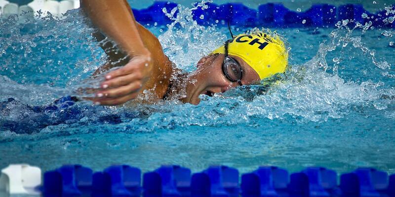 Düzenli yüzmenin vücuda faydaları