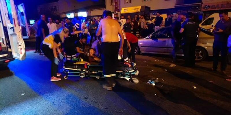 Trafik kazasının ardından ortalık karıştı: Yaralılar var