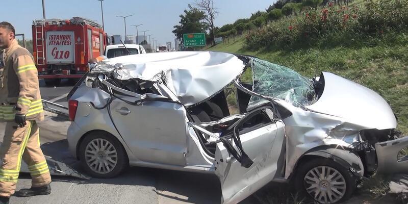 Kamyon ve otobüse çarpan otomobilin sürücüsü ağır yaralandı