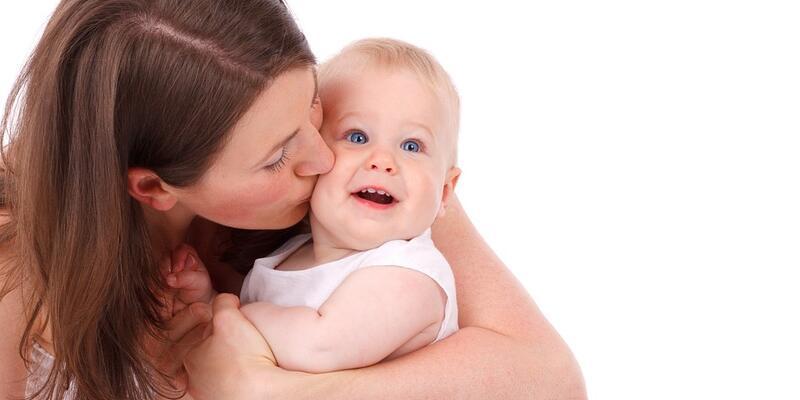 Anne adaylarına 'doğru emzirme' tavsiyeleri
