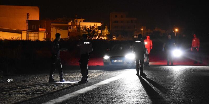 Adana'da otomobilin çarptığı bekçi öldü