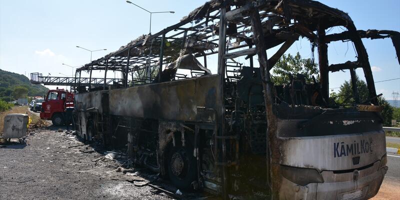 Yanan yolcu otobüsünde hayatını kaybeden 5 kişinin kimlikleri belirlendi