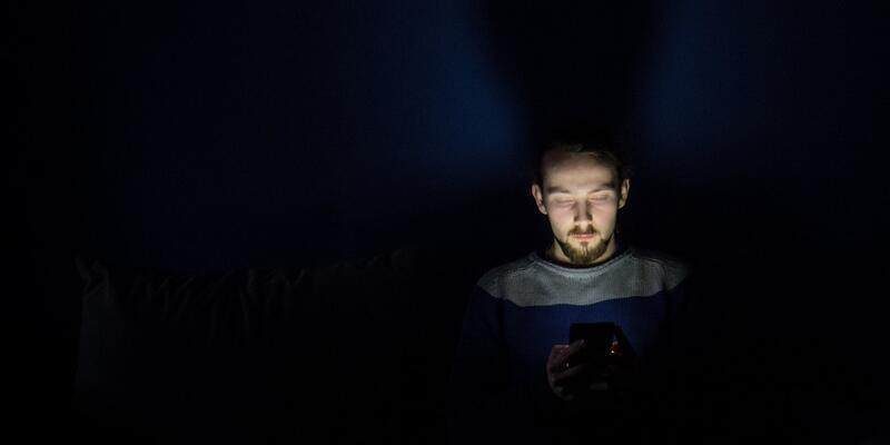 Gelişen teknoloji gençlere zarar veriyor