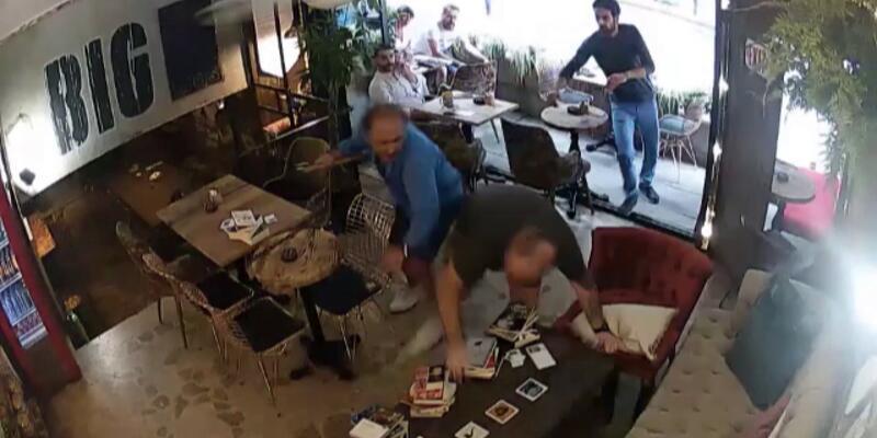 Kafe sahibi müşteriye baltayla saldırdı