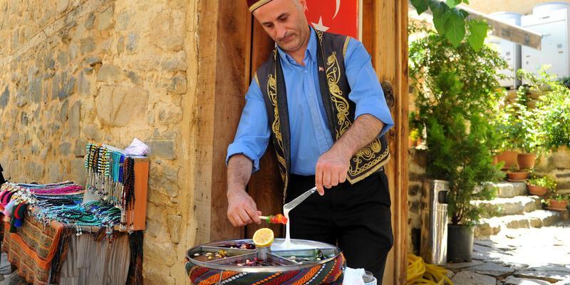 700 yıllık Osmanlı köyünde 'macun' kültürünü yaşatıyor