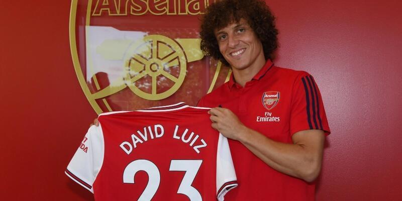 David Luiz Arsenal ile imzaladı