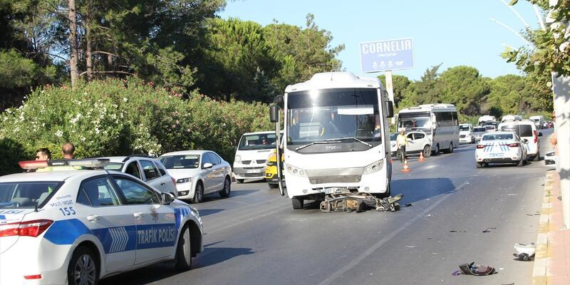 Motosiklet ile otobüs çarpıştı: 1 ölü