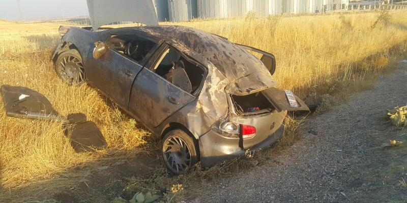 Şarampole devrilen otomobildeki 5 kişi yaralandı