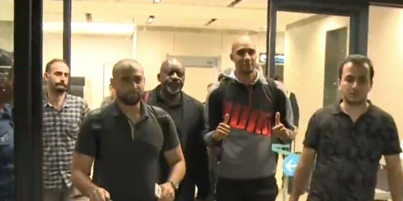 Steven Nzonzi İstanbul'a geldi