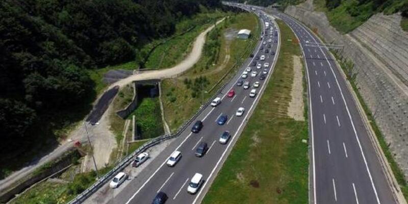 Bolu Dağı Tüneli'nden 12 günde 1 milyonun üzerinde araç geçti