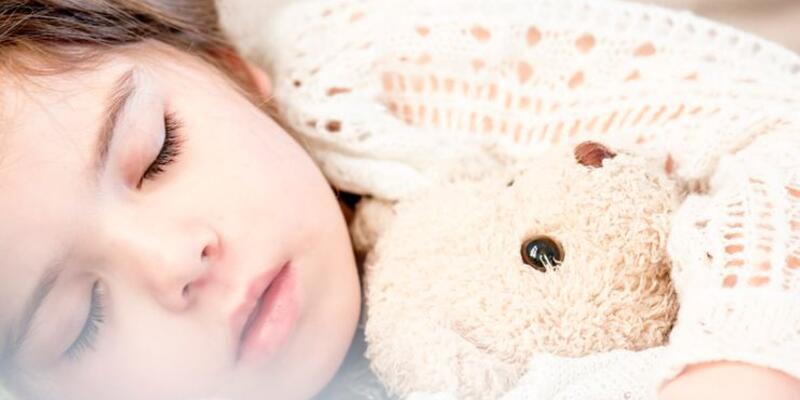 Çocuğunuz okul stresi yüzünden uyurgezer olabilir