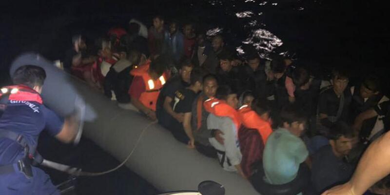 Çeşme ve Seferihisar'da 105 kaçak göçmen yakalandı