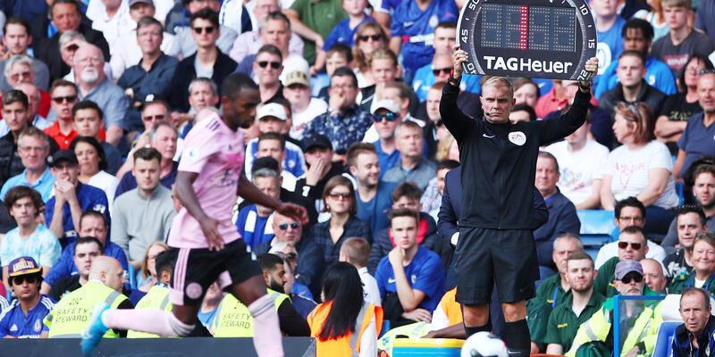 Trafiğe takılan hakem, Chelsea-Leicester City maçını yönetemedi