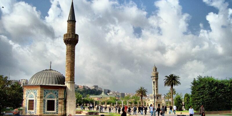 İzmir Cuma namazı saati | Diyanet 23 Ağustos Cuma saatler: İzmir