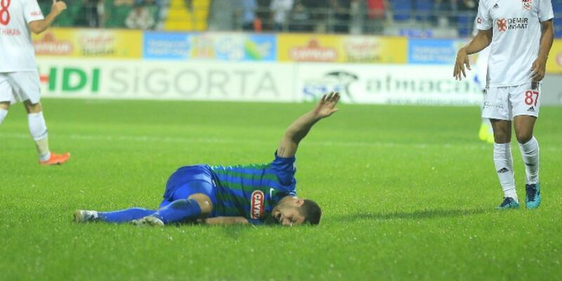 Mustafa El Kebir'in ayağı kırıldı