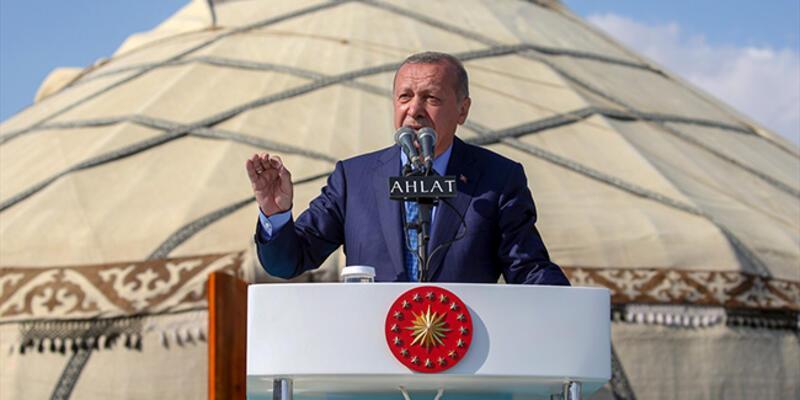 Son dakika... Cumhurbaşkanı Erdoğan: Bize kefen biçenlerin heveslerini kursaklarında bırakmayı sürdüreceğiz