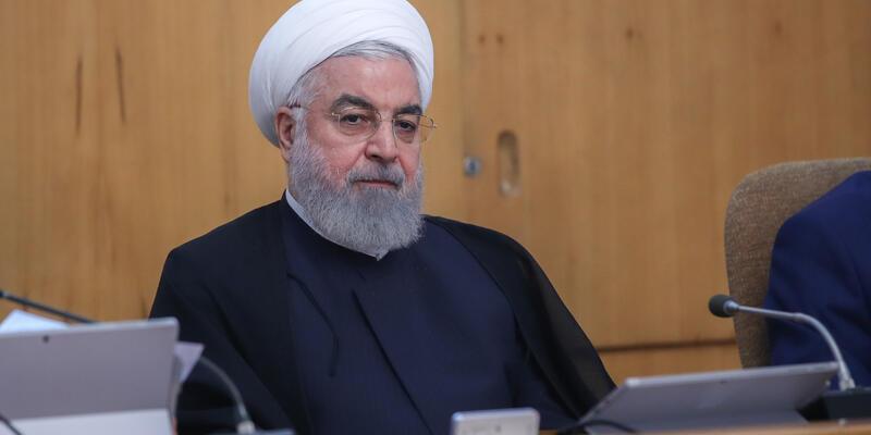 Trump'a yeşil ışık yakan Ruhani'yi topa tuttular!